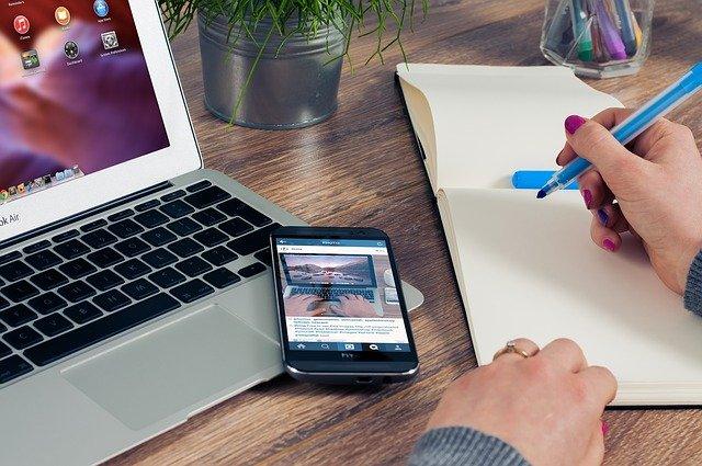 ショッピングリサーチャーのアイフォン(iphone)の画像